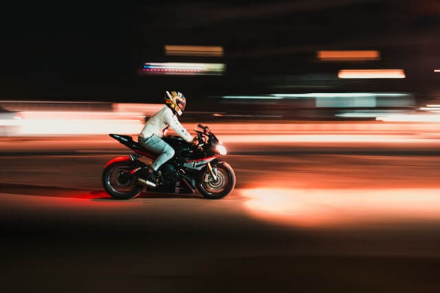 person-riding-motorcycle-in-time-lapse-photography-3928740 (1)